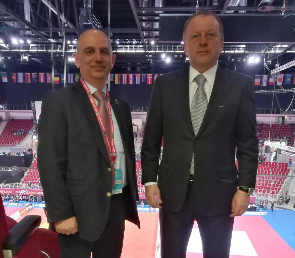 Претседателот на ЏФМ, Филип Иванов со претседателот на IJF, Мариус Визер